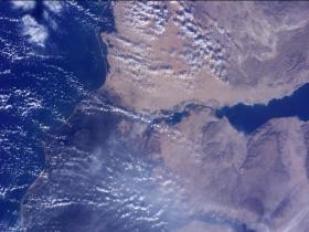 4K高清 NASA宇航员从国际空间站用4K视频注视着地球